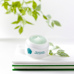 Enature Squeeze Green Watery Gel Cream texture